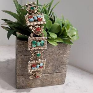 Jewelry - VINTAGE GOLD BRACELET